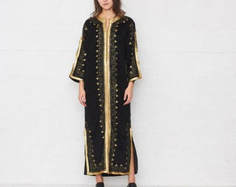 Vintage Black With Gold Velour Caftan/ One Size
