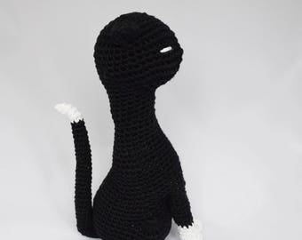 A funny crochet graceful cat