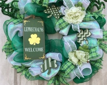 Irish Welcome Wreath, Irish Wreath, Shamrock Wreath, St. Patrick's Day Wreath, Irish Decor, Pub Decor, Deco Mesh Wreath