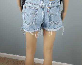 Vintage High Waisted Cut Off Mom jeans Shorts Women's size Size waist 29 30 M Medium