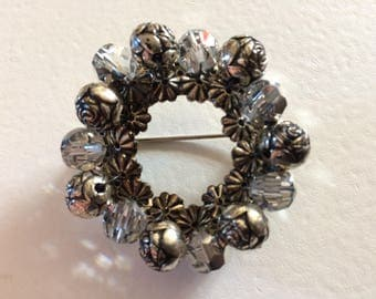 Gorgeous Vintage Round Silver Tone Rose & Glass Bead Brooch