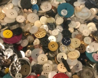 2Pounds of Assorted Vintage Buttons