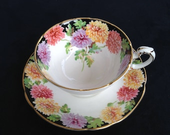 """Paragon by Appointment to HM The Queen, """"MUMS"""" teacup and saucer"""