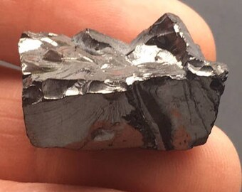 Natural Shungite Crystal Stone ~ Healing~ Protection~ Grounding ( 6gm ~ 30mm) #2