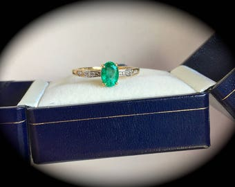 Natural Emerald & Diamond Ring 9ct Yellow Gold Size N 1/2 (US 7)  'Certified'  Exquisite Colour!