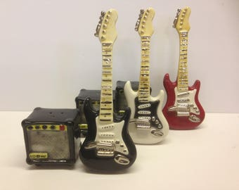 Stratocaster blues guitar with amp -Salt and pepper set.