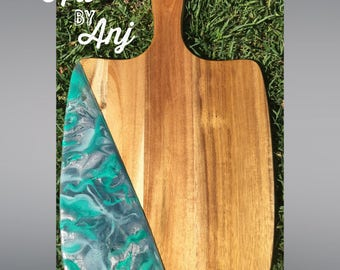 Alluring - resin serving board/acacia wood cheese board