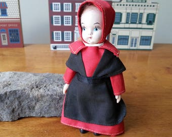 "Vintage Amish Souvenir Tourist Doll Red Black Dress Hood Dolls Collectibles 5"" inches"