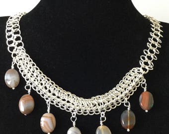 Polished Agate chain maille necklace