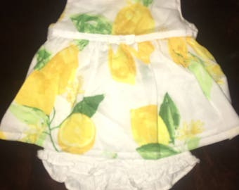 Baby girl Dress size 6-9 months