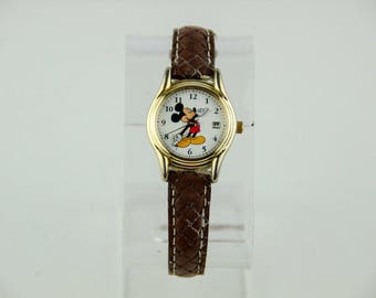 Rare Vintage Disney Collectible Mickey Mouse Watch # MC0076