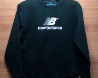 FREE SHIPPING... 90's Vintage New Balance Sweatshirt Medium size