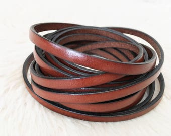 Brown 5mm genuine flat leather lace with a  black trim edge. UK leather supplier. Jewellery making. bbel-5