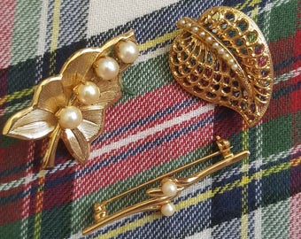 Vintage Costume Jewellery Leaf Pins - Set of 3/Gold/Pearls/Roller Clasps/Brooches/Retro/Antique/Jewelry/Jewellery/Accessories/Variety/Detail