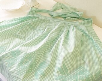Vintage 1950s Green Gingham Half Apron with Hand Stitching/Embroidery