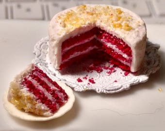 Kellie's Red Velvet Cake 1:12 Scale
