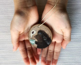 Wooden Medallion shows