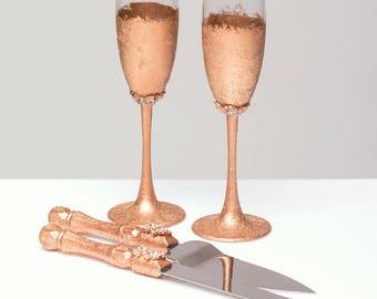 ROSE GOLD Wedding glasses and Cake Server Set cake knife rose gold bride and groom set of 4: wedding toasting flutes wedding flutes cake set
