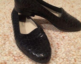 Vintage 1990s black leather trotters