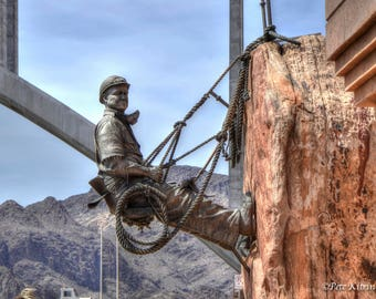 Sculpture of Worker at Hoover Dam