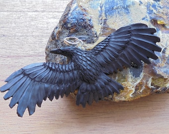 Hand Carved Raven Pendant, Black Raven, Buffalo Horn Carving RV01