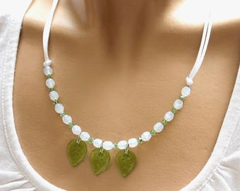 "White and green necklace ""custom"""