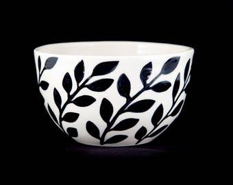Porcelain Laurel Bowl