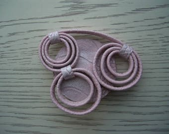 leather brooch pink