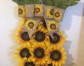 Pineapple wreath- fun in the sun!