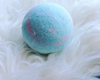 Pink & blue swirl bomb