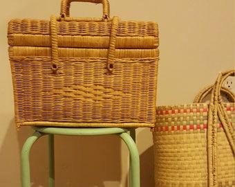 Vintage Wicker Picnic/Sewing Storage Basket