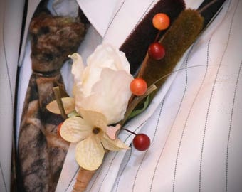 Groom's boutonniere, Camo theme, Hunting, Cattails, Rose, Hydranges cream blooms, Berries, Fall
