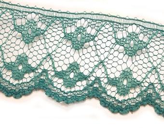 Green lace: length 32mm width 100cm (109)
