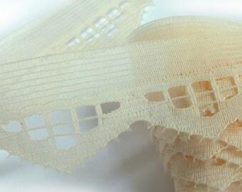 BEIGE lace: width 16-25mm (04)