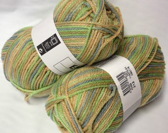 10 balls of yarn changing / 312 / French brand
