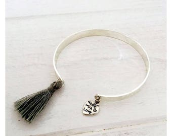 Open silvery rush - small heart message and tassel