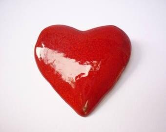 Red kisses ceramic and metal pin
