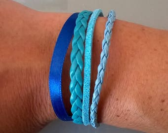 Bracelet with small attached magnet blue