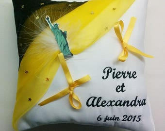 Ring bearer pillow custom - NYC - your dominant: Black Yellow