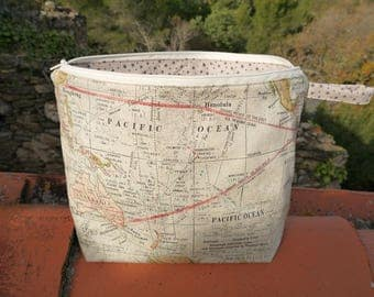 """Clutch purse lined toiletry & zip, """"old world map, travel, Star"""" multicolor"""