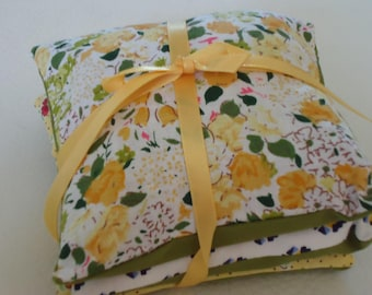 3 PILLOWS OF LAVENDER TIES WITH A RIBBON SATIN YELLOW