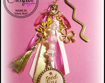 """Bookmark """"lucky"""" gold and pink"""