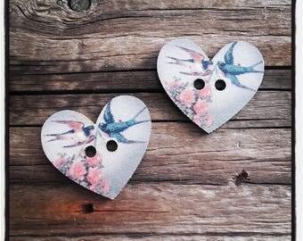 set of 2 buttons wood heart 27 x 25 mm bird