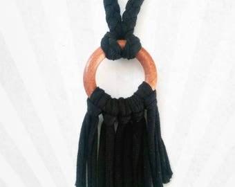 Jersey black short fringe necklace