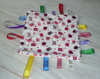 """taggy""""white, purple and Pink Ribbon gift designs multicolored"""