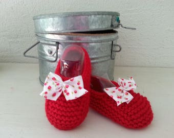 Little feet unbalanced 6-9 months raised(enhanced) by a bow - delicious booties