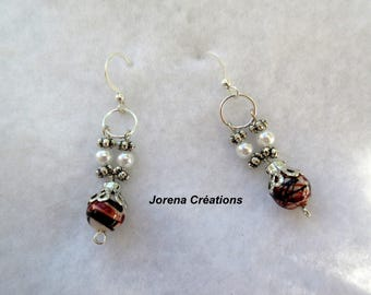 Pendant earrings Brown and white beads