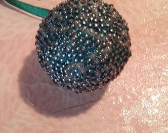 Ball of Christmas beads - blue and white Arabesques
