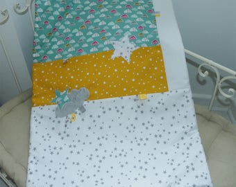 White, green and yellow clouds quilted blanket 60 x 85 cm