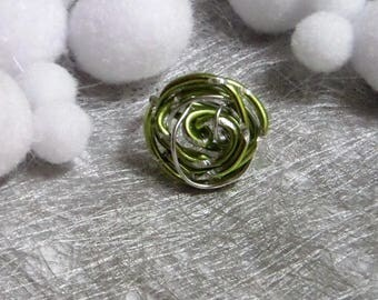Ring green and silver aluminum wire twisted very trendy